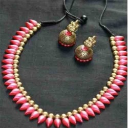 Chocolate Chips and Cherry Cake – 1kg